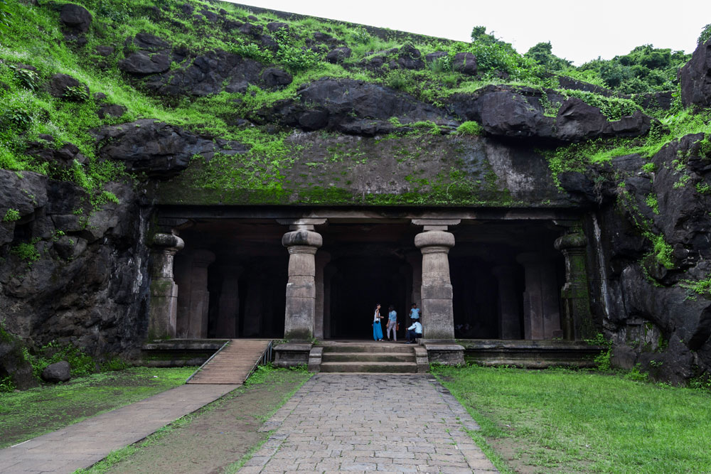 Best-Places-to-visit-near-Mumbai-from-100-to-500-km-with-budget-Togedr-6