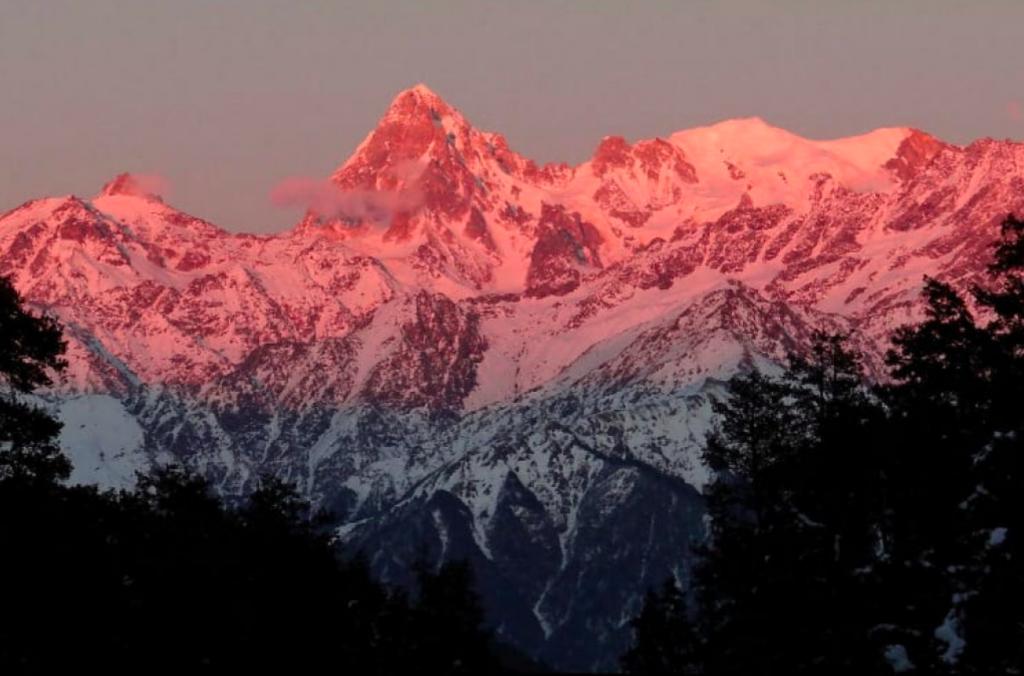 Dayara Bugyal Summer Trek in India